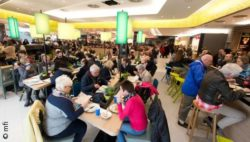 Bild: food court; Copyright: mfi