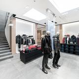 BOSS 324 Store Geneva v01 07849
