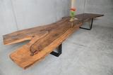 Riesige XL Tische Große Konferenztische aus Massivholz