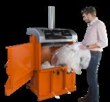 Orwak Compact 3115 feeding plastic foil