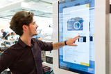 Interactive kiosk systems form the basis for the realisation of omnichannel concepts